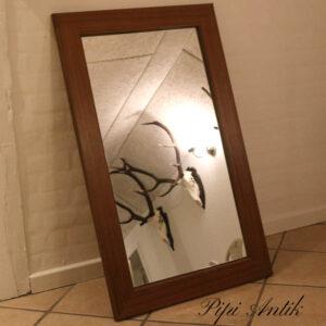 17 Teak lakeret nyere spejl B63xH103xD2,5 cm