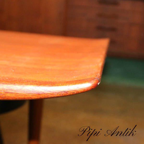 Teak sofabord med buet kant