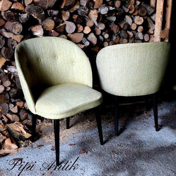 Retro armstol i olivengrøn stof sorte ben B59xD45xH77 sæde45 cm