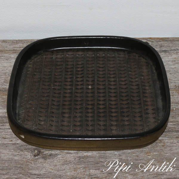 Mari Simmulson Upsala Ekeby pyntefad i brunlig nuancer 4095 M L29,5XB28XH3,5 cm