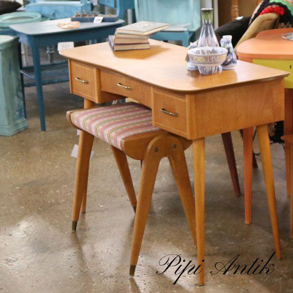 Retro sminkebord skrivebord slanke ben lyse ben L95xB43xH69 cm