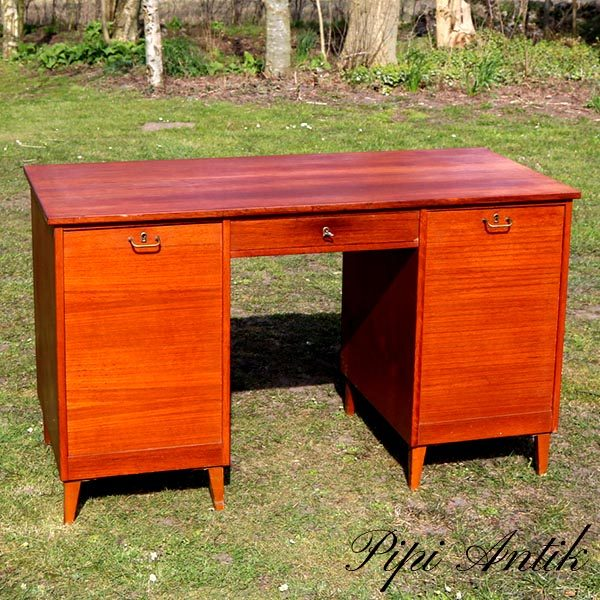 Teak skrivebord med jalousilåger og hylder L127xB61xH75 cm