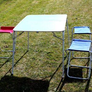 Pignig bord stole sæt blå med 3 intakte 1 defekt stofsæde sammenklappet 60x44 cm