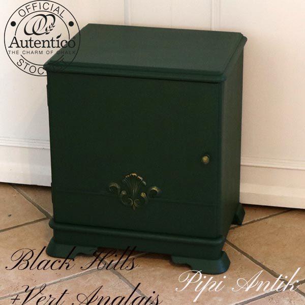Grøn sengebord med fingerguld pynt B47xD36xH54 cm Black Hills & Vert Anglais