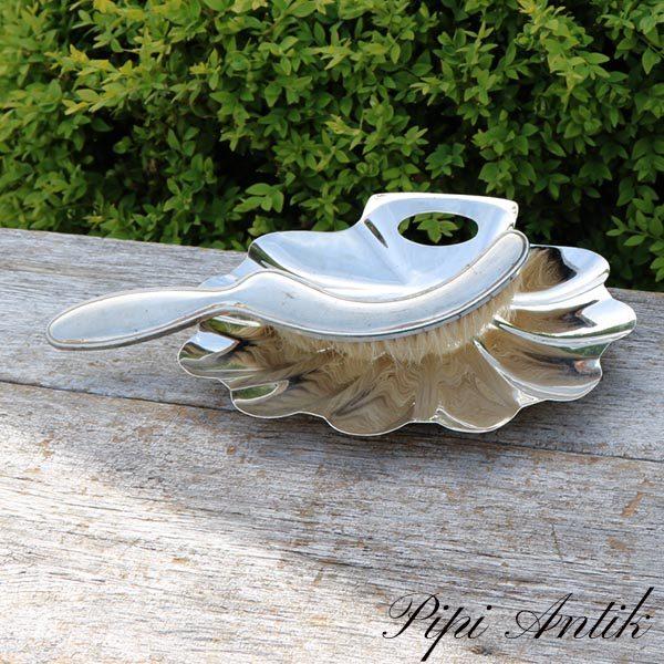 Sølvplet bordfejekost og bakke i art deco stil L26,5xB22xH4 cm