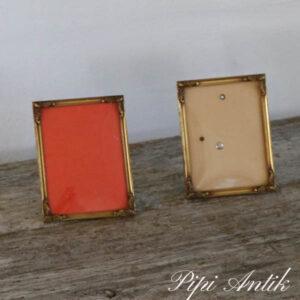 41 a og b Metal billedramme guldfarvet B9,5xH12 cm