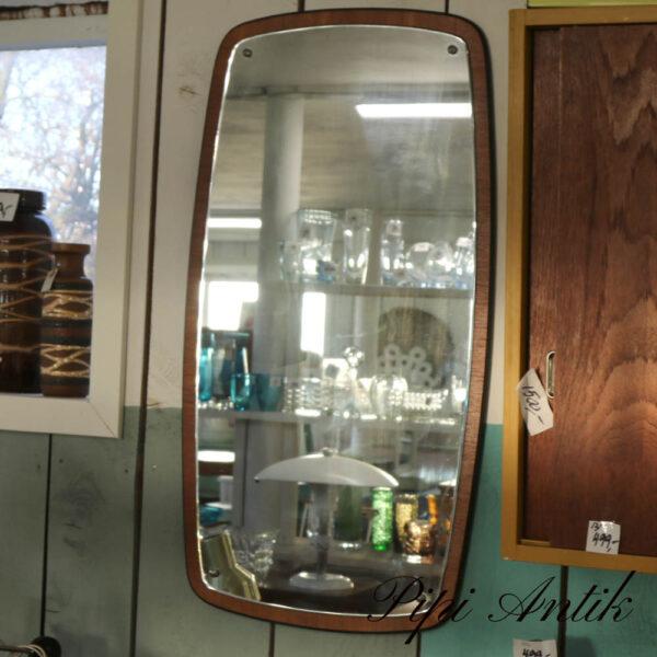 12 Teak spejl med sort kant lidt glaspest på spejl B54xH102 cm