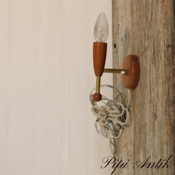 Retro teak væglampe uden skærm og lille fatning H13,5 xD8 cm