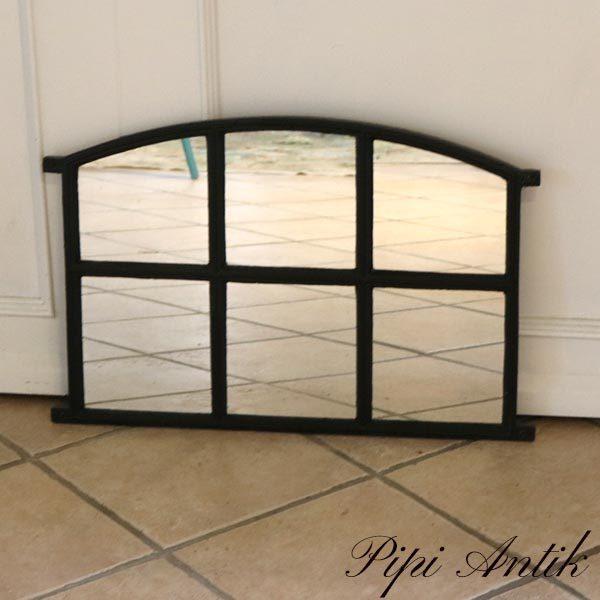 Staldvindue sort med spejle L68 x H44,5 cm