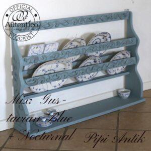 Tallerkenrække Gustavian Blue Nocturnal mix med sort voks L107xD20xH72 cm