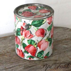 Folieret romantisk rosa blomstret dåse Ø19x21,5 cm