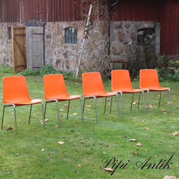 Retro orange plaststole stabelbar