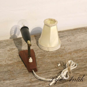 03 Teak væglampe med lille cremefarvet lampeskærm uden pære D6xH28 cm