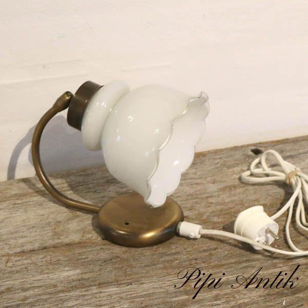 Hvid væglampe med metal beslag D14xB17xH20 cm