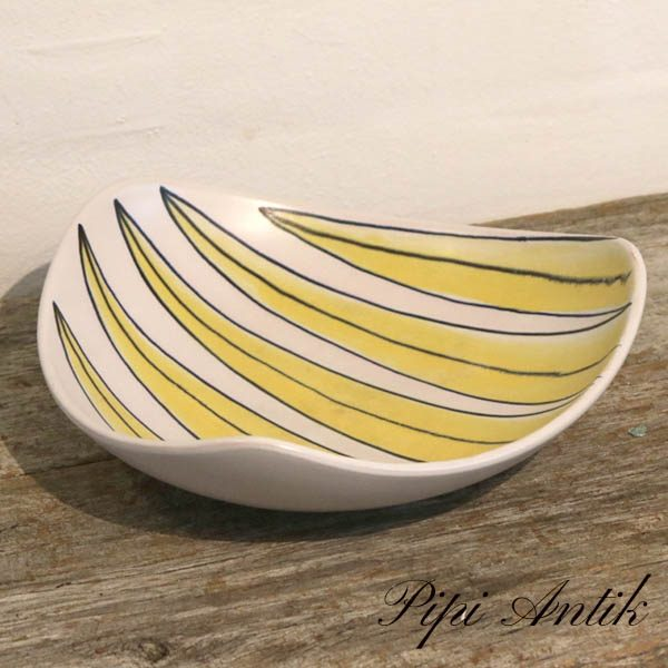 Retro gul hvidligt NN trekantet keramikfad frugtskål 26x26xH9 cm