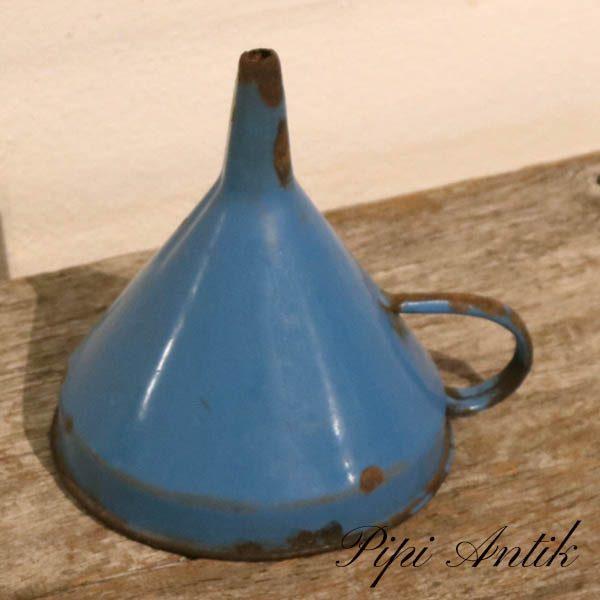 31 Madam Blå tragt patineret Ø12,5xH15 cm