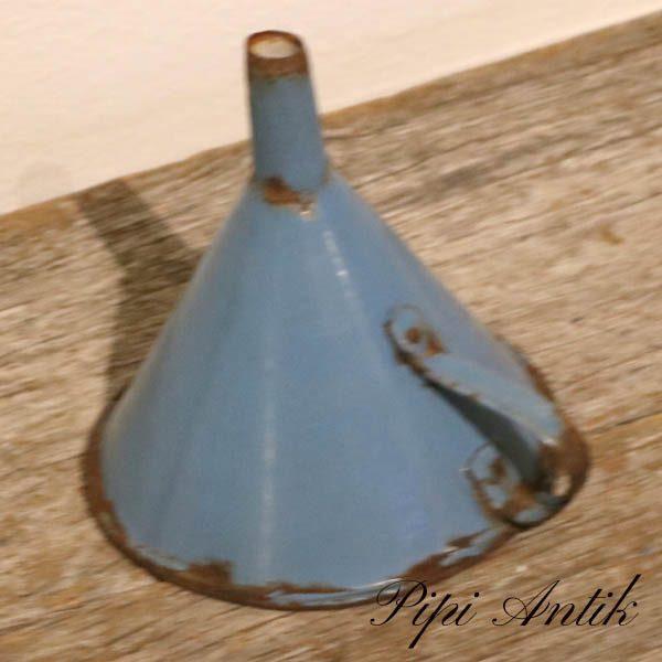 35 Madam Blå tragt patineret Ø12x13,5 cm