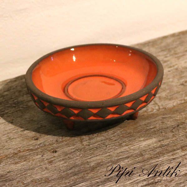 Orange keramik fad med små fødder Ø16x6 cm H