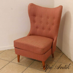 Retro lyserød polsteret stol med bamseører B61xD53xH87 siddehøjde 38 cm