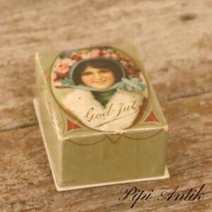 God jul æske fra 1900 med en lille papegøje inde i æsken L9x6,5xH4 cm