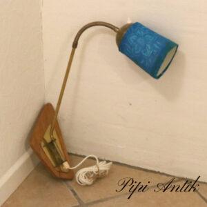 Lys teak metal lampe messing sving arm blåt retro skærm D50 cm fra væg til Ø12xH17 cm skærm