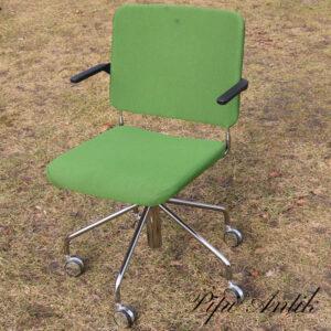 Retro krom kontorstol med grønt betræk L42,5xB46, justerbar H