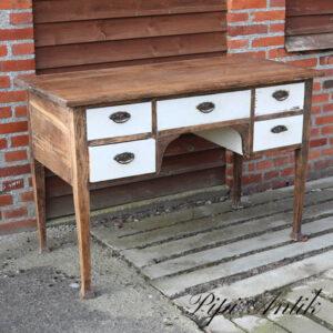 Egetræs skrivebord L118,5xD57,5xH80 cm
