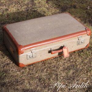 31 Beige meleret papkuffert med brune kanter L68xD19xH41,5 cm