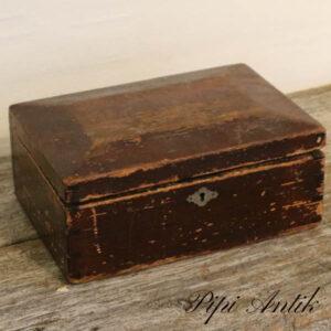Træ smykkeskrin patineret uden nøgle L25xD17xH12 cm