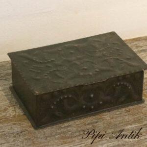 Metal smykkeskrin eller cigaræske L19,5xD13xH6,5 cm
