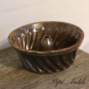 Kageform NN i keramik glasseret Ø26xH10 cm