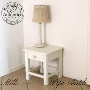 Hvidt natbord med skuffe L40xD40xH44 cm
