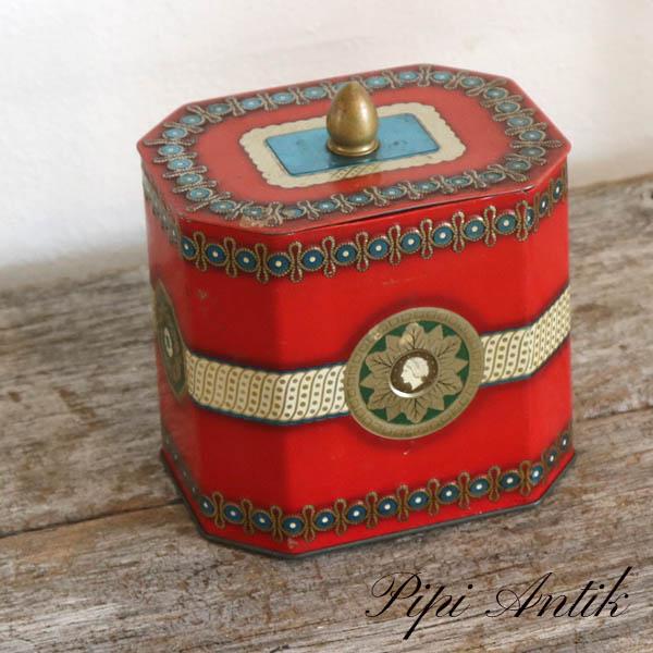 Thedåse rød smukt dekoreret L13,5x10,5xH15cm