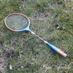 35 Badminton ketcher No name
