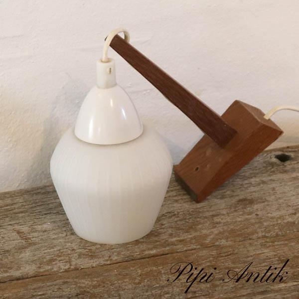 37 Teak væglampe hvidt glas lampeskærm Ø11xH16cm Dybde 19 cm