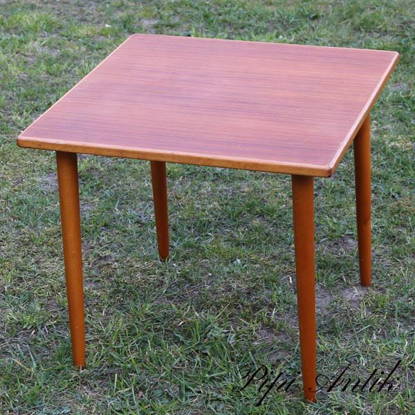 Teak lille bord med lidt kant patina L50x50xH45 cm
