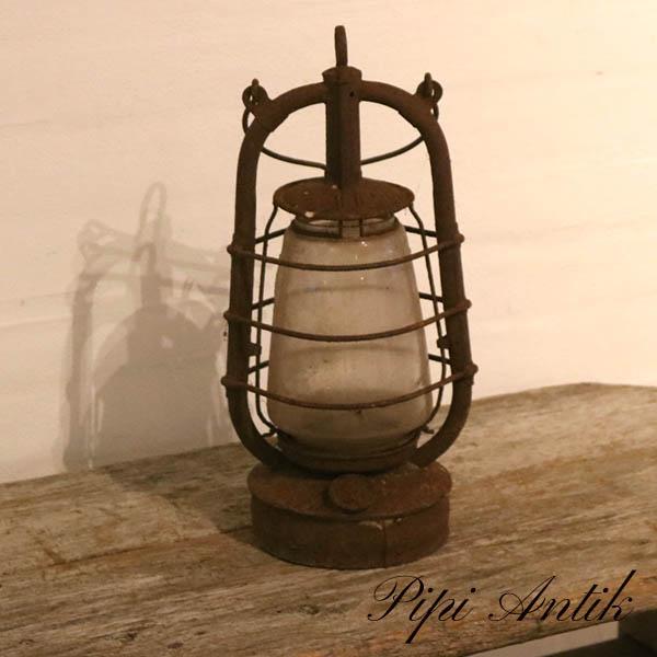 Flagermuslampe rusten look til pynt Ø14,5xH38 cm