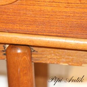 Teak buffet højre ben slidtage af teak