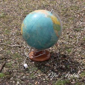 14 Globus med træfod Ø31xH36 S mærket Sweden