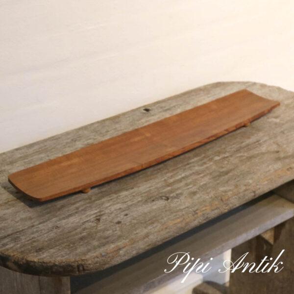 84 Teak bakke Swedish Wood Design med små runde fødder L59,5xB12xH3 cm