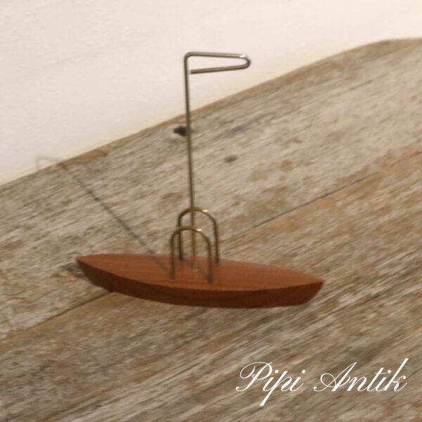 87 Teak messing servietholder udformet som sejlbåd L17,xB4xH18,5cm