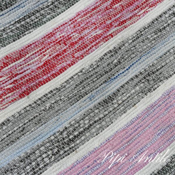 07 Kluddetæppe svensk rosa blåligt gråt hvidt B74xL167 cm
