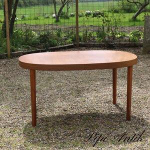 Teak ovalt spisebord lakeret L140 cm med 1 tillægsplade total 195cm x H73 cm