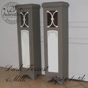 Smalt højskab romantisk Dark Forrest & Milk umalet inde b43,5xd38xh163 cm