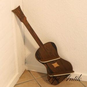 Guitar hylde uden ophæng B24xH74xD9cm