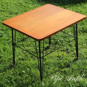 2793 Teak sofabord med string underhylde og hjul i sort L60xD50xH50cm