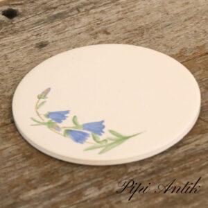 Håndmalet bordskåner med klokkeblomster Ø15,5cm